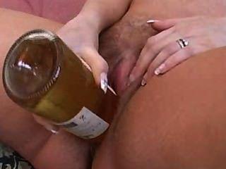 रेबेका बोतल ब्रिटेन