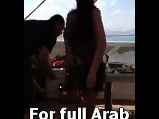 मिस्र में निजी पार्टी में अरब सेक्सी नर्तकी safinaz