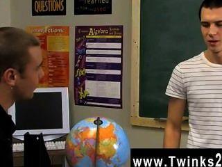समलैंगिक Twinks प्यारा युवाओं को हर किसी के बाद कक्षा में अभी भी कर रहे