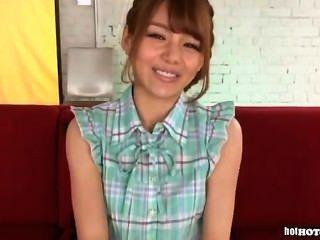 जापानी लड़कियों bed.avi में आकर्षक परिपक्व महिला पर हमला