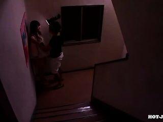 जापानी लड़कियों university.avi पर आकर्षक शिक्षक पर हमला