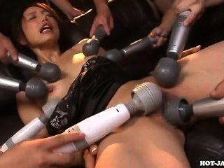 जापानी लड़कियों को मंत्रमुग्ध park.avi पर भद्दा किशोर लड़की