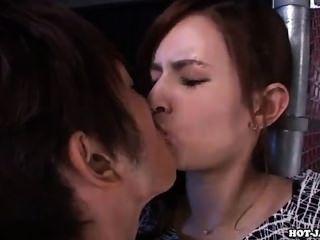जापानी लड़कियों को लुभाने सेक्सी किशोरों की लड़की sofa.avi
