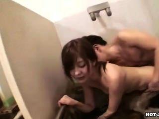जापानी लड़कियों गड़बड़ home.avi में सेक्सी सेक्रेटेरियट