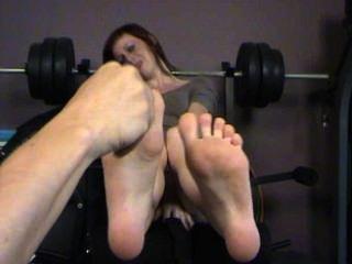 क्या तुम सच में मेरे पैर गुदगुदी करने के लिए कैसे पता