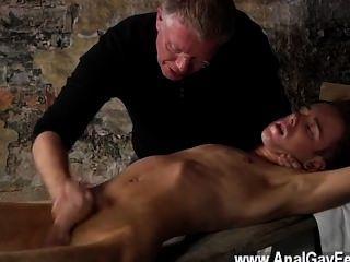 कट्टर समलैंगिक वहाँ एक बहुत है कि सेबेस्टियन केन के लिए क्या करने के लिए प्यार करता है उसकी