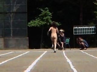किशोर वीडियो की विशेषता ओलंपिक के जापानी नंगा संस्करण
