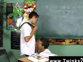 हॉट twink दृश्य डस्टिन revees और लियो पेज 2 स्कूली बच्चों में फंस रहे हैं