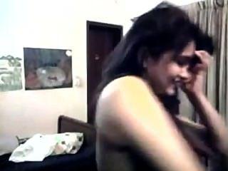 पाकी - इस्लामाबाद से वेबकैम पर गर्म लड़की पट्टी चिढ़ा