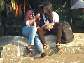 भारतीय - समलैंगिकों सार्वजनिक रूप से चुम्बन