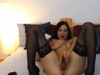 कैम पर dildo कार्रवाई के साथ अद्भुत और गांठदार लड़की!