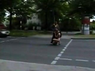 सड़क पर सार्वजनिक सेक्स सही