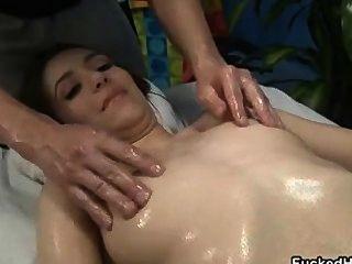 प्यारा श्यामला बेब उसे स्तन part5 हो जाता है