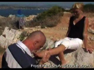 फ्रेंच पैर चाटना