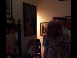 बहिन रीड एक बहिन बच्चे transvestite के रूप में दिख मेरे जीवन जीने बैरो