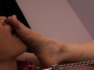 गुलाम ब्रांडी Claires पैर की पूजा