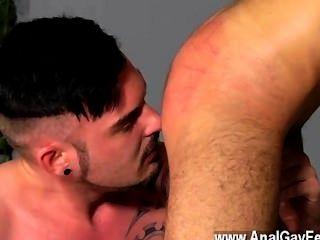 कट्टर समलैंगिक एडम वाटसन ज्यादा कुछ नहीं आनंद मिलता है एक सुपर वासनोत्तेजक होने से
