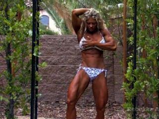 female_bodybuilder