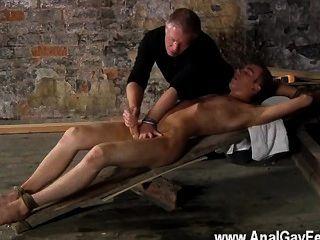 समलैंगिक नंगा नाच वहाँ एक बहुत है कि सेबेस्टियन केन अपनी बंदी के लिए क्या करने के लिए प्यार करता है