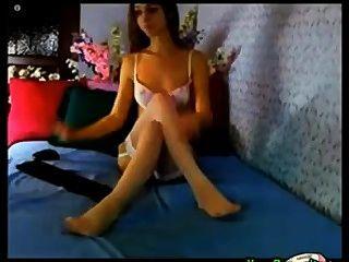 तेजस्वी पैर और शुल्क के साथ भव्य सांचा लड़की