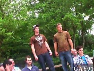 सेक्सी पुरुषों तीन विजेताओं टट्टू में उनके पुरस्कार स्थिर हो, और