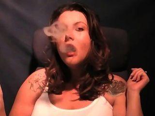 धूम्रपान KV1