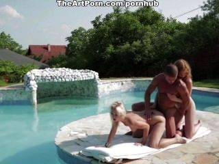 एक गर्म गर्मी के दिन पर सेक्सी साहसिक