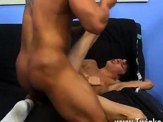 गर्म समलैंगिक यौन संबंध Kyler केवल एक पैसा-बीस soddening गीला हो सकता है, लेकिन वह एक लेता है