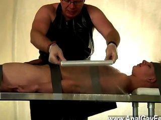 गर्म समलैंगिक दृश्य का सूखा Twink नीचे टेप