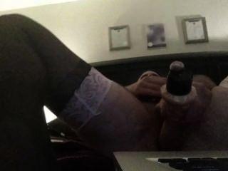 मोज़ा के साथ पिछवाड़े में dildo