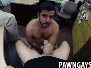 सींग का संवर्धन मोहरे की दुकान पर दो लंड पर चूसने