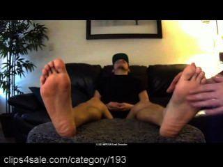 clips4sale.com पर पुरुष पैर का भार