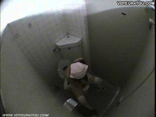 सार्वजनिक शौचालय कमरे लड़कियों हस्तमैथुन