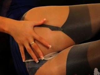 अविश्वसनीय नायलॉन pantyhose में ब्लौंडी