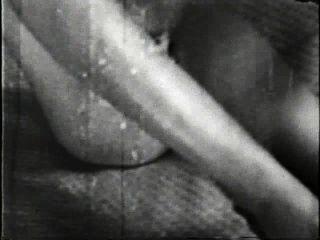 सॉफ़्टकोर जुराब 507 1960 - दृश्य 1