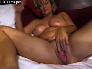 गर्म busty माँ वेबकैम पर उसके बड़े बुरा बिल्ली कर रही - hotcams.pw