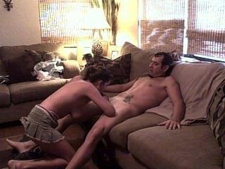 सोफे पर युगल कमबख्त