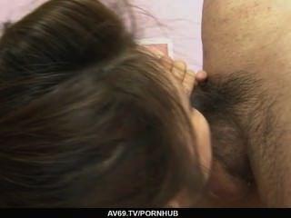 Yurika शराब पी और नशे में Gotou उसके प्रेमी से पहले उसके पैरों को चौड़ा