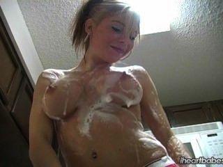 iheartbabes - बर्तन धोने