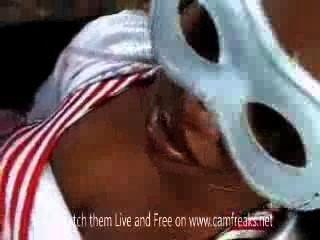 अफ्रीकी लड़की आउटडोर सेक्स के साथ इतालवी पुरुष