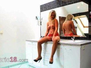 बाथरूम छूत में मेरी पत्नी