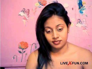 भारतीय शर्मीली लड़की तैयार लाइव वेब कैम सेक्स मज़ा