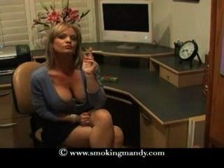 सुंदर गोरा milf साराटोगा 120s धूम्रपान करता है