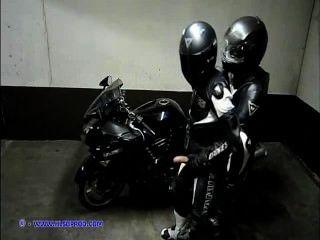 चमड़े मोटरसाइकिल समलैंगिक (leatherbiker)
