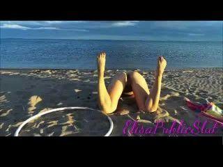 एक नहीं न्यडिस्ट समुद्र तट में नग्न और गुदा सेक्स elisapublicslut.com