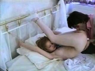 कैसे टिफ़नी महसूस पुरुष बिस्तर पर उसे संबंधों कि और उसकी बकवास?