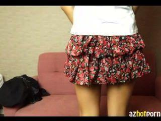 एशियाई शैली फैशनेबल लड़की करिश्मे
