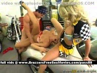 संचिका गोरे नंगा नाच