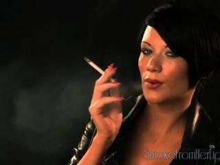धूम्रपान बुत 21