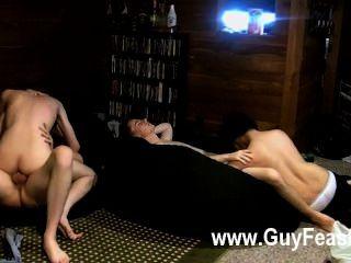 समलैंगिक सेक्स ट्रेस वान डे Kamp और एरिक tribold एक पार्टी का एक सा चल रहा है